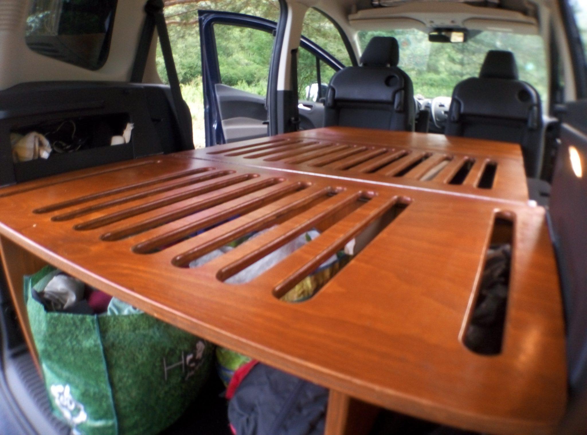 Kit furgo camper portátil y polivalente maletín/mesa/somier)