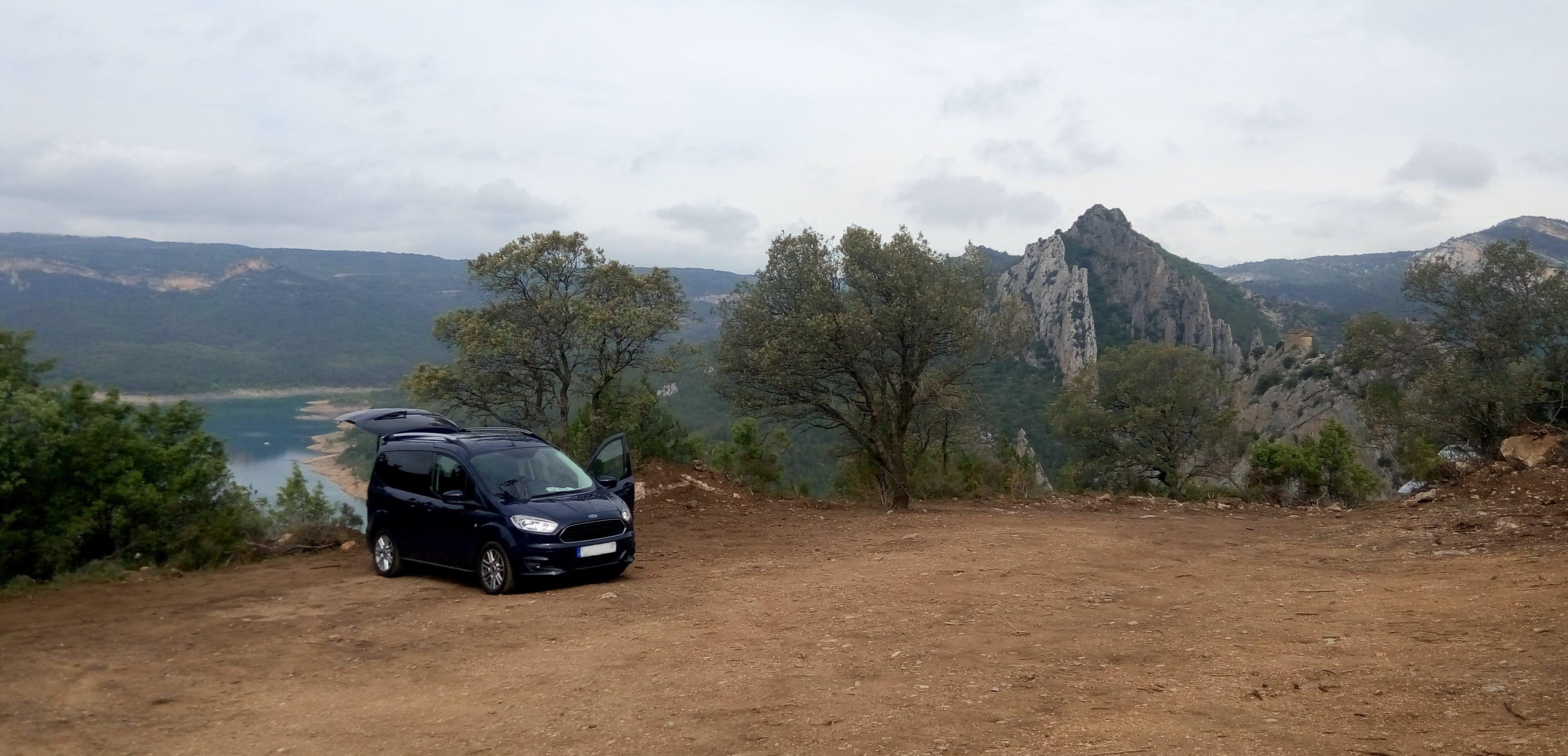Furgoperfecto parking de la ermita la Pertusa, Corçà, Lleida